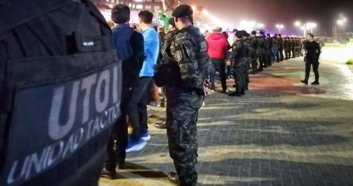 Fin de año con el ingreso a la clasica playa de Bunge y el mar prohibido por el municipio y fuerzas policiales