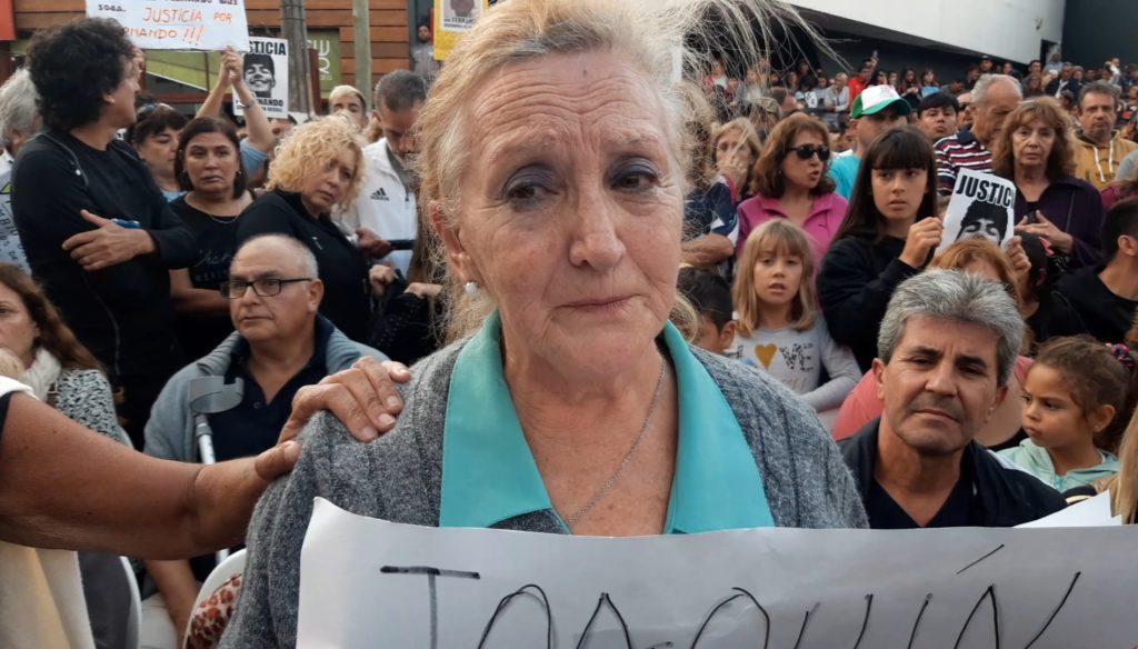 Una madre gesellina reclama justicia por su hijo asesinado en esa ciudad