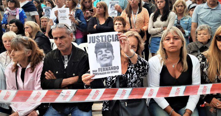 Crimen de Villa Gesell la zapatilla que golpeó hasta la muerte a Fernando es de Máximo Thomsen