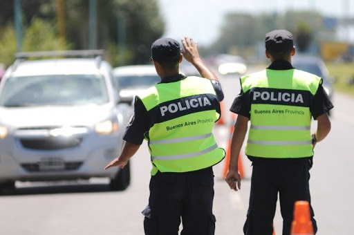 Violacion en manada en Pinamar, los policias acusados estan en libertad