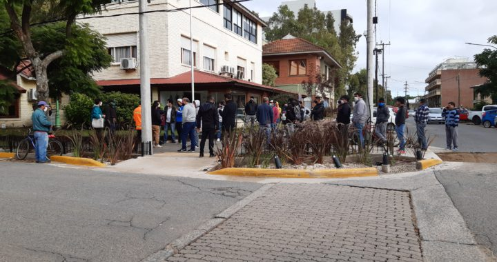 A pesar de la manifestación de obreros las obras todavía seguirán frenadas en Pinamar