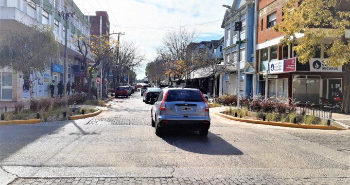 Comerciantes de avenida Shaw juntaron más de 100 firmas para impedir que se haga peatonal