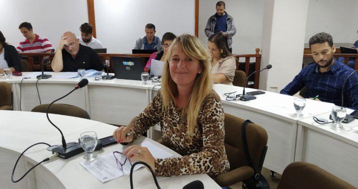 Tarjetas alimentar, Marcela Urhig concejal vamos a pedir que aparten del cargo a Tumas y Ponce