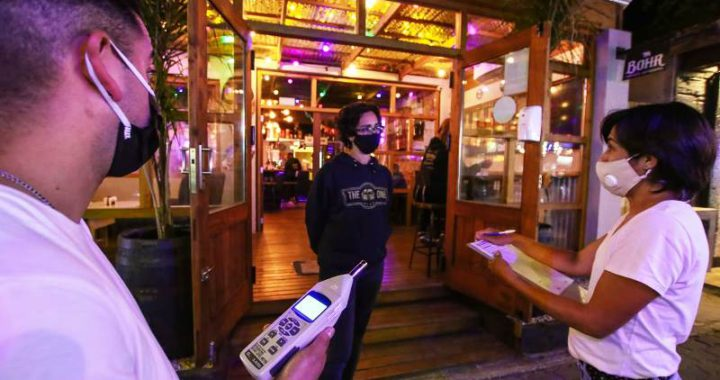 Preocupación de comerciantes locales por la temporada de verano y el aumento de casos de Covid-19