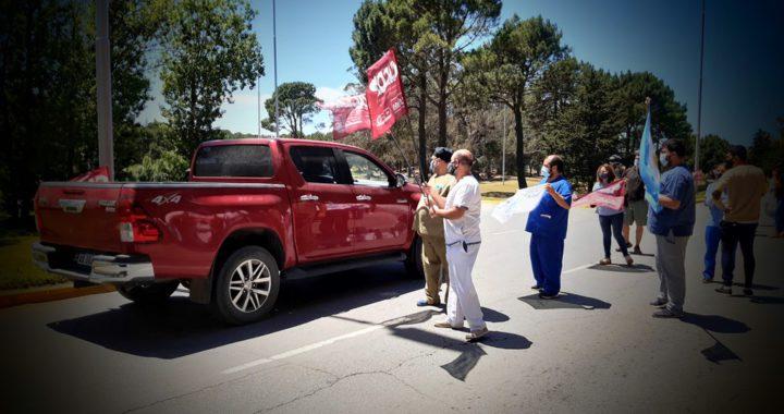 Personal de salud reclamo mejoras salariales y laborales en el ingreso a Pinamar, con la llegada de turistas
