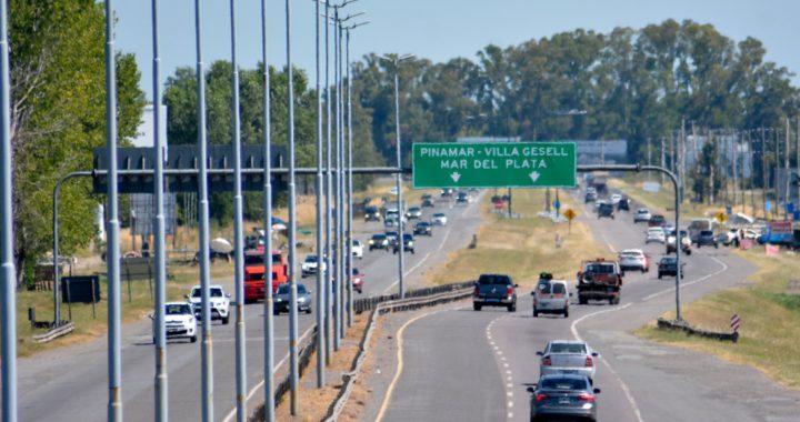 Casi 2000 autos por hora circulaban desde las primeras horas del sábado hacia la costa