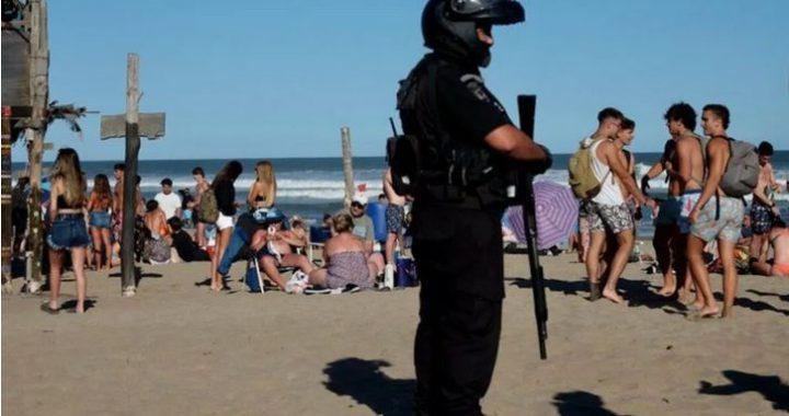 """Desmanes en la playa y fiestas clandestinas, Roberto Elorz concejal """"Se deberían aplicar fuertes multas"""""""