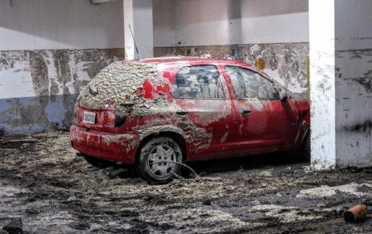 Así está el estacionamiento del edificio inundado, Adriana Mauro, administradora dijo que hay responsabilidad municipal