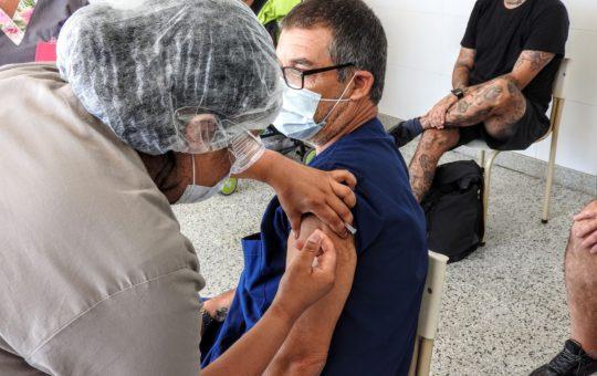 Así comenzó la vacunación contra el Covid-19 en Pinamar