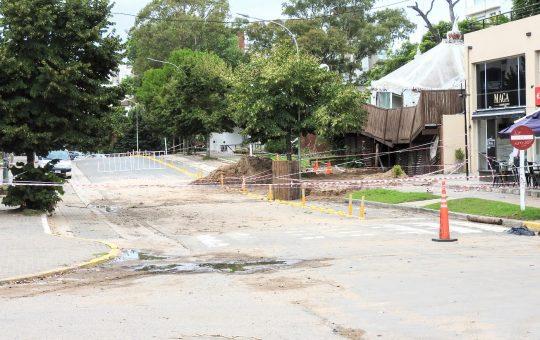 Comerciantes inundados piden ayuda al municipio y hablan de peligro de derrumbe