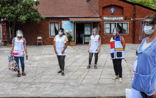 Si no se frenan los contagios podrían reducir la presencialidad en las escuelas
