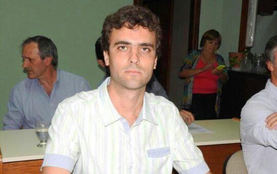 En Madariaga Carlos Caro lidera una de las dos listas del Frente de Todos