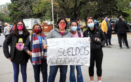 Municipales marcharon por sueldos atrasados, mira aca 20 imágenes del día de protesta