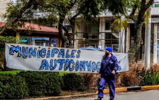 De la mano de los autoconvocados así fue la vuelta de los municipales a la calle, reclamando por sus salarios